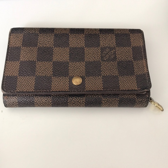 Louis Vuitton Handbags - Louis Vuitton Tressor Wallet